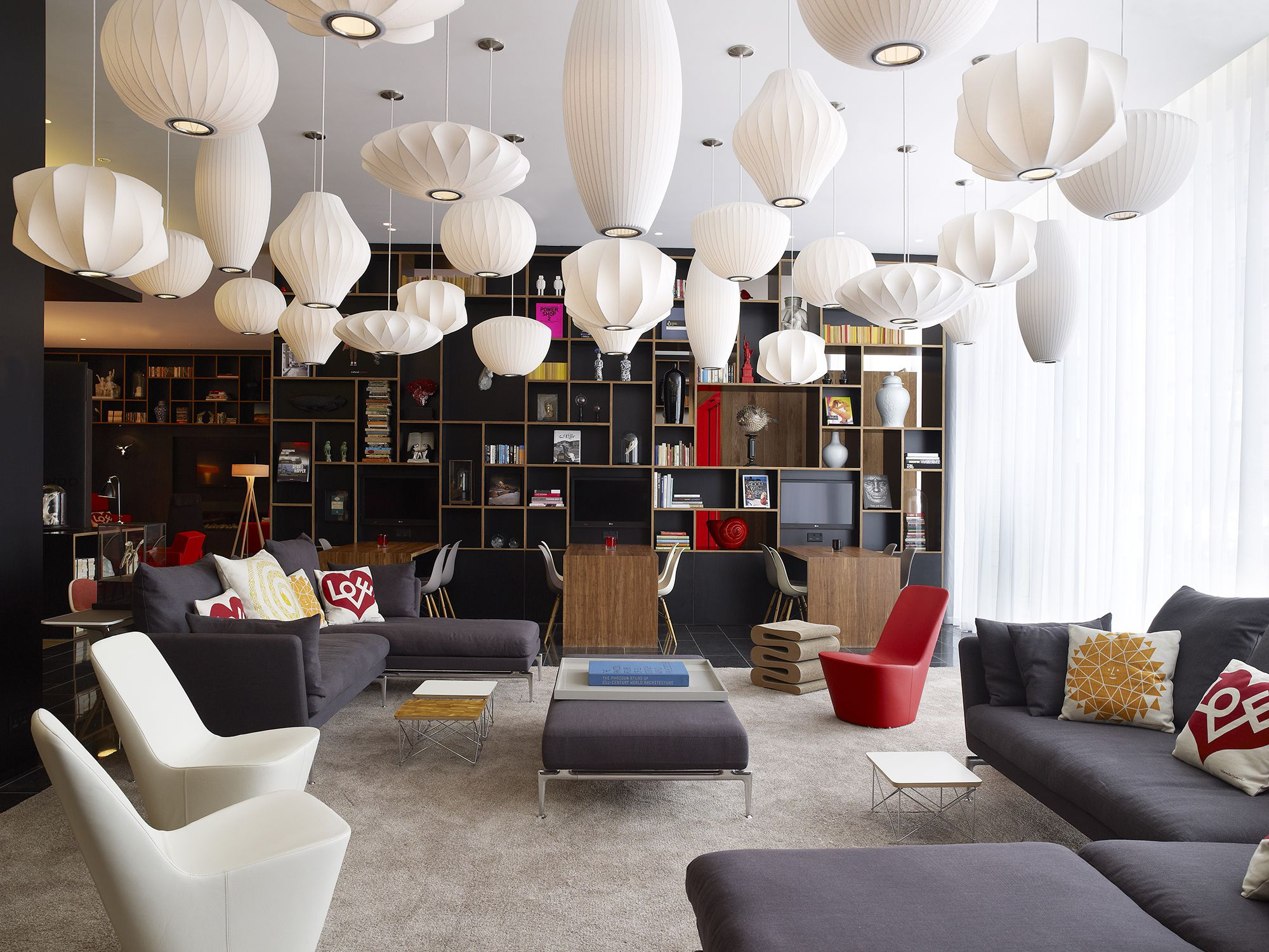 CitizenM_London_Bankside-livingroom 06