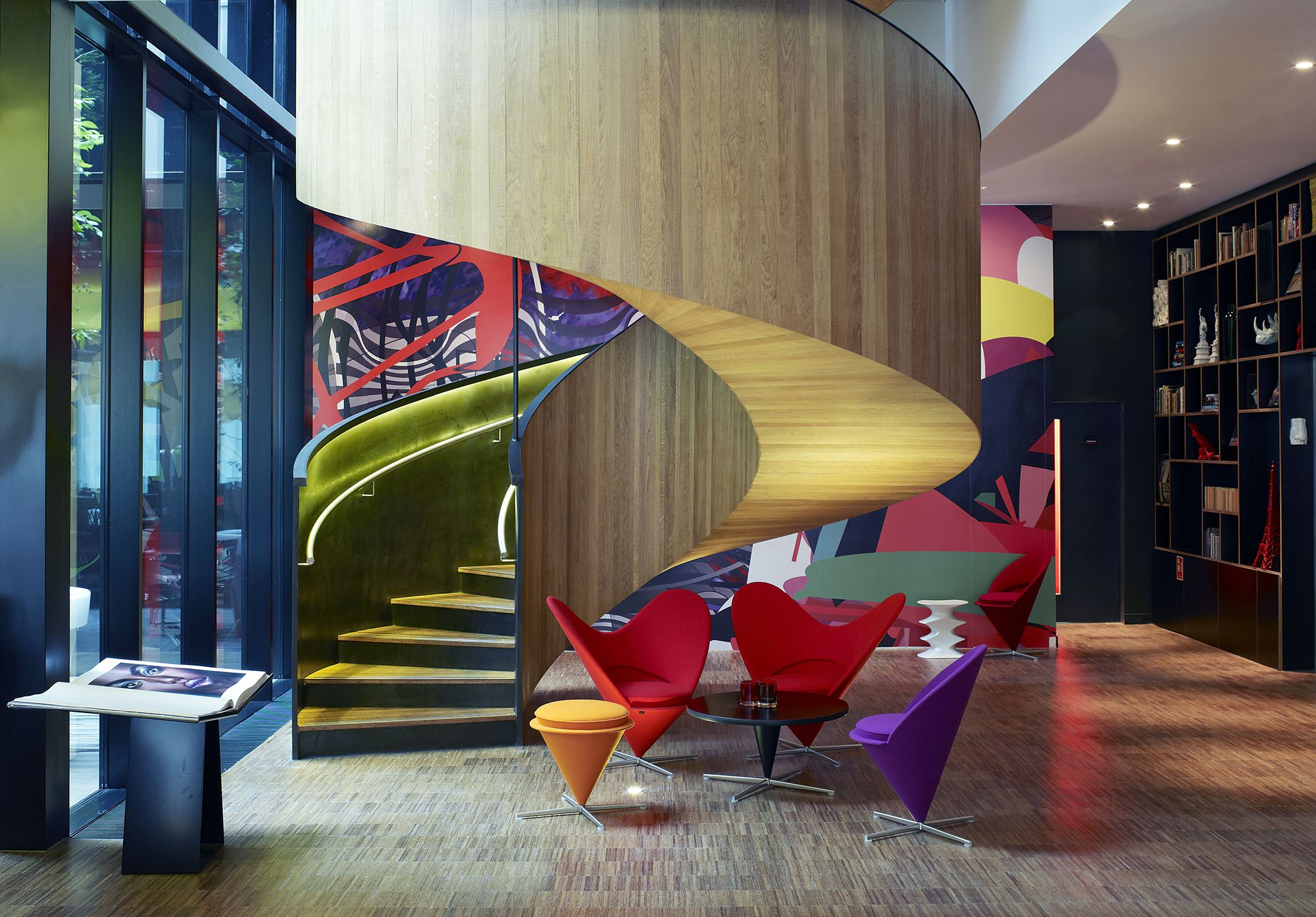 CitizenM_London_Bankside-staircase