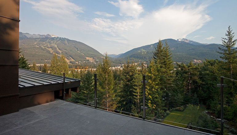 Compass-Point-Residence-in-Whistler-02-1