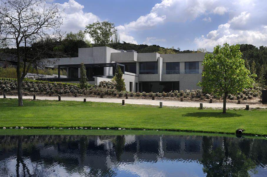 Concrete-House-00