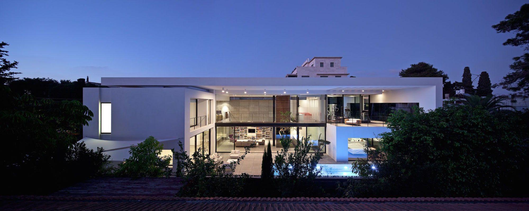 Contemporary-Bauhaus-on-the-Carmel-00-1.