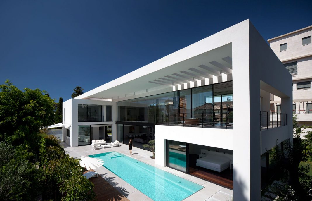 Contemporary bauhaus on the carmel by pitsou kedem architects home design