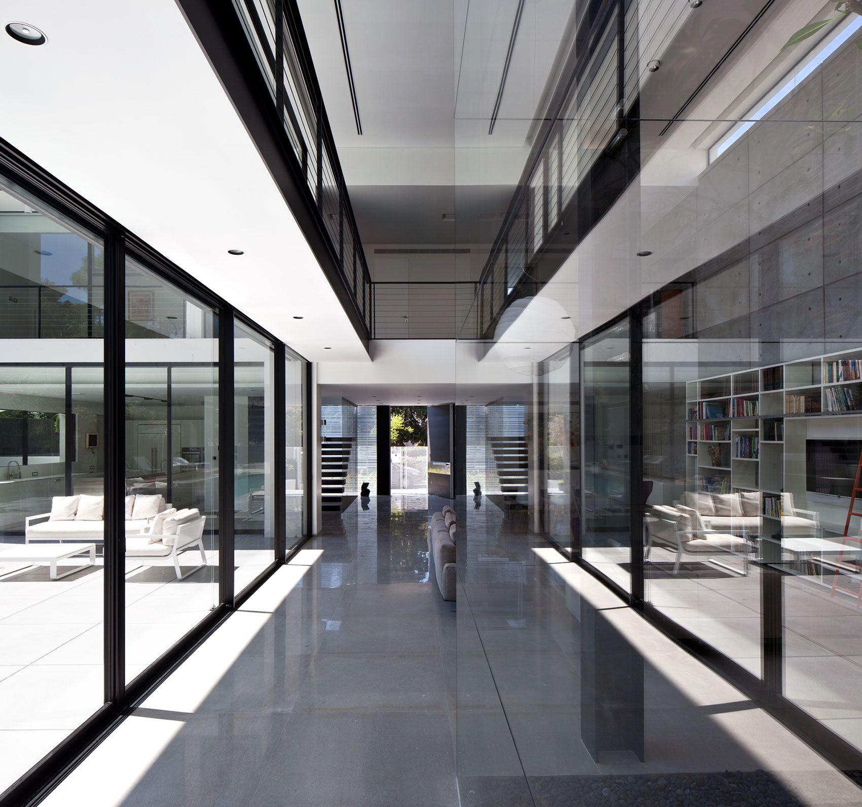 Contemporary-Bauhaus-on-the-Carmel-06
