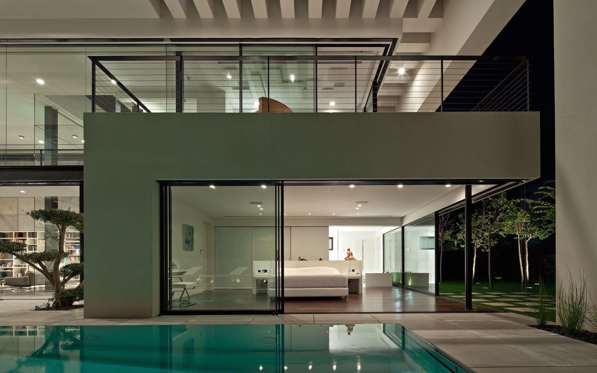 Contemporary-Bauhaus-on-the-Carmel-12
