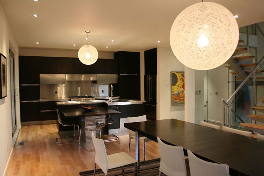 Contemporary-Lighthouse-Residence-in-Ottawa-06