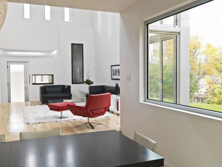 Contemporary-Lighthouse-Residence-in-Ottawa-14