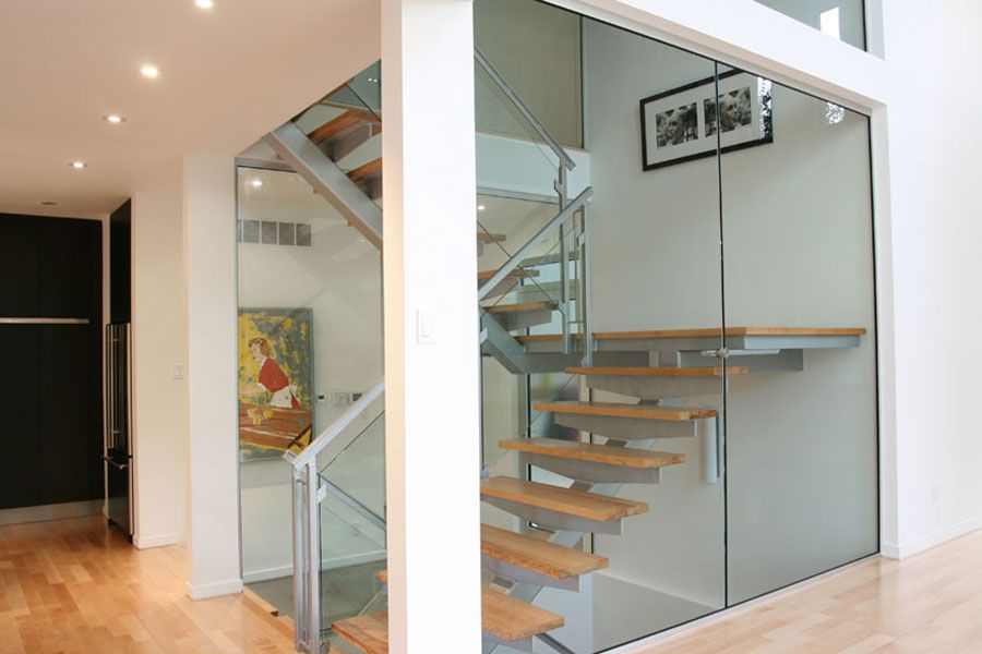 Contemporary-Lighthouse-Residence-in-Ottawa-18