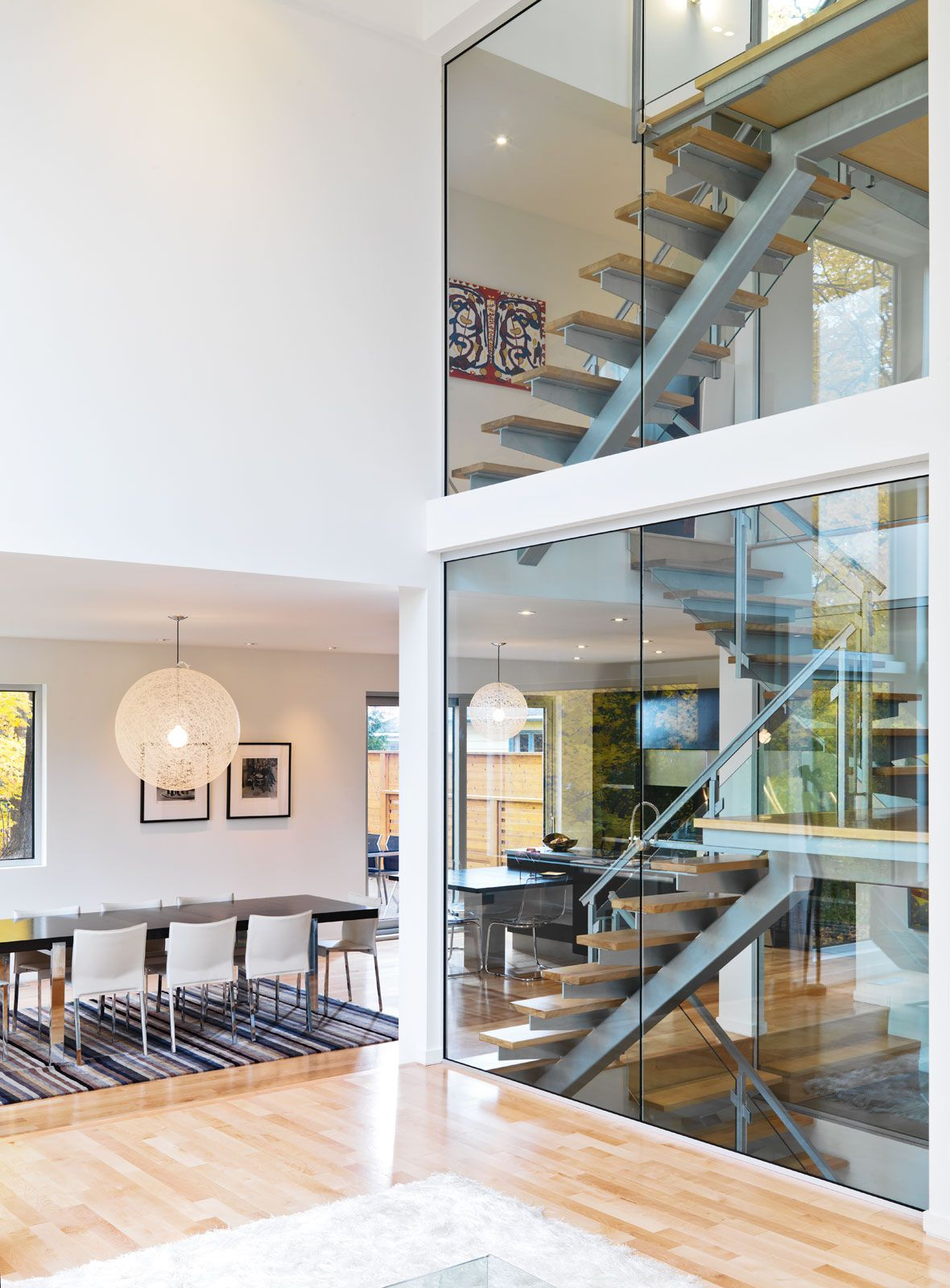 Contemporary-Lighthouse-Residence-in-Ottawa-19