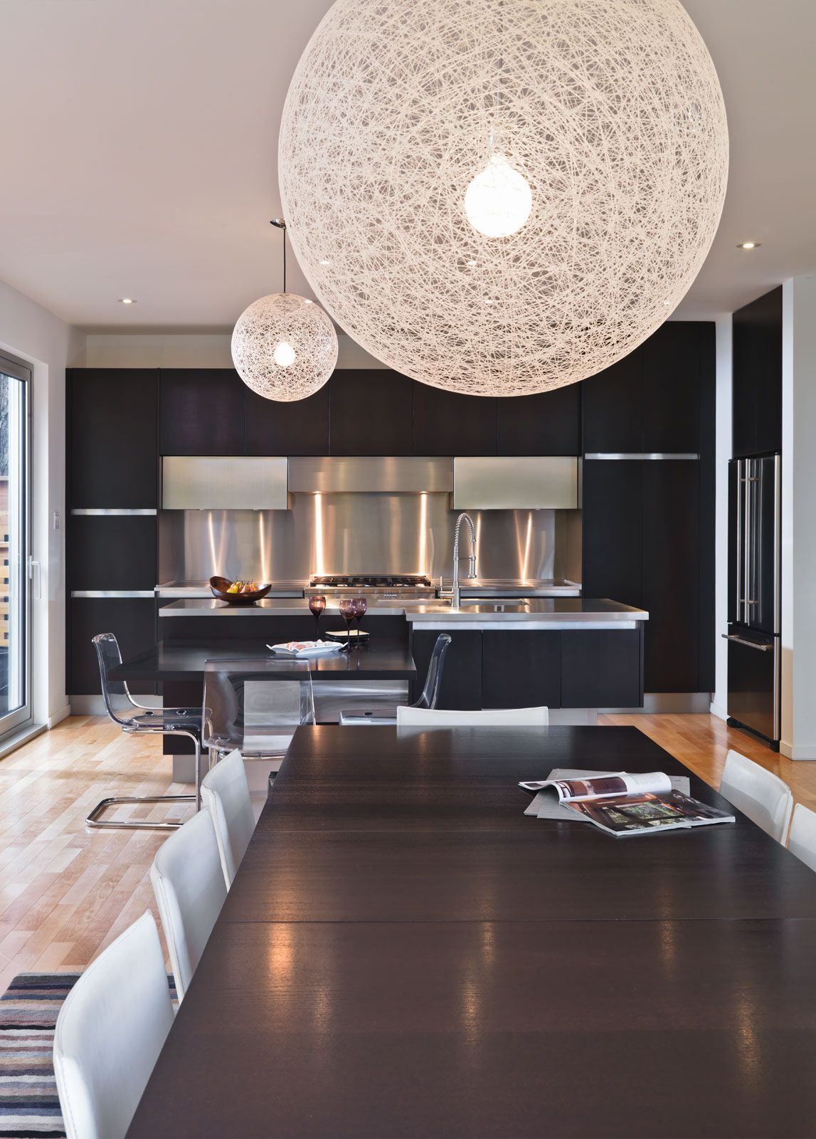 Contemporary-Lighthouse-Residence-in-Ottawa-20