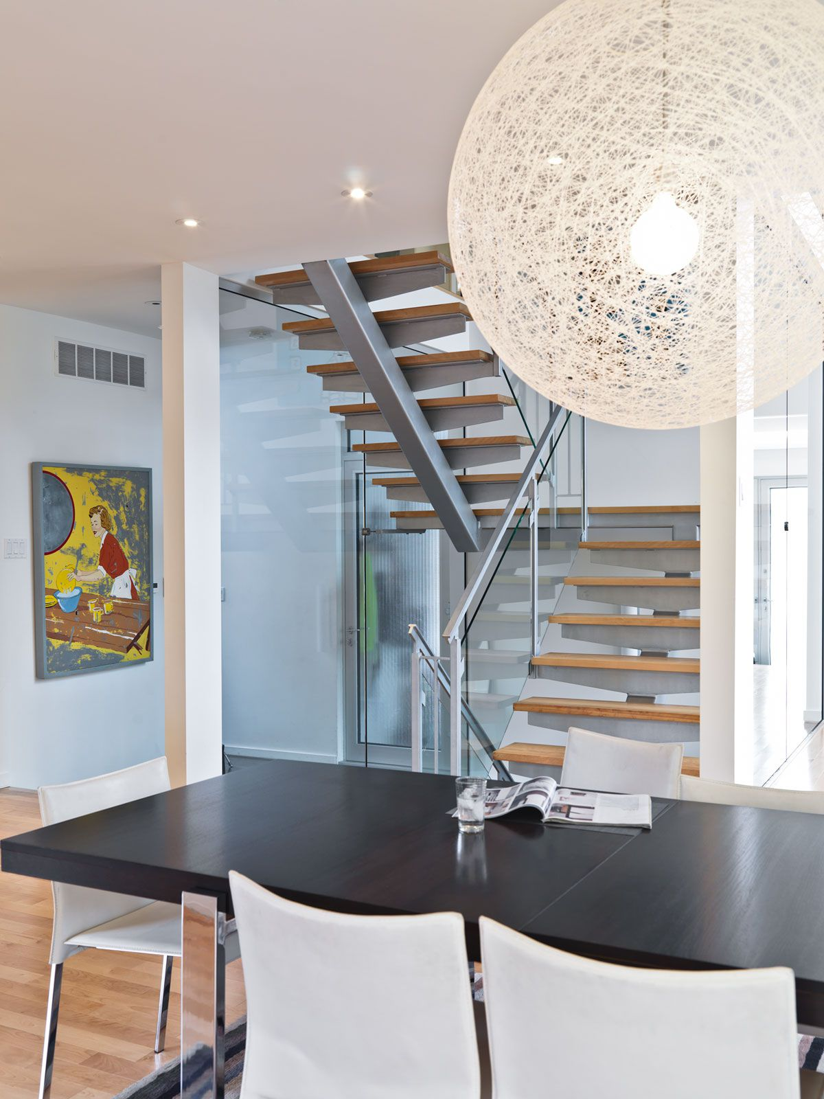 Contemporary-Lighthouse-Residence-in-Ottawa-22