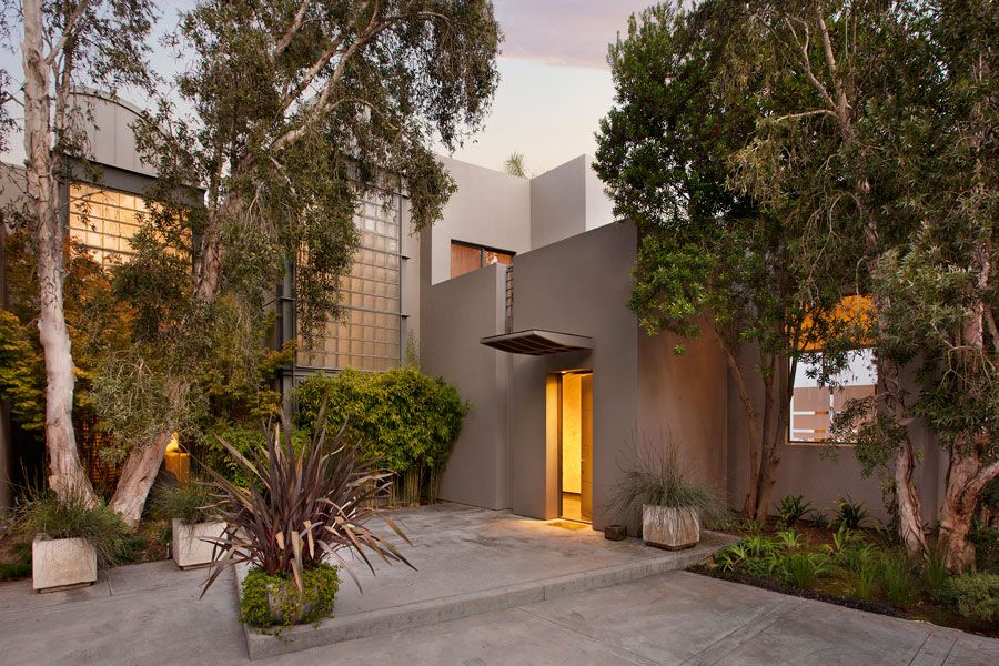 Contemporary-Whitehead-Bay-Residence-01