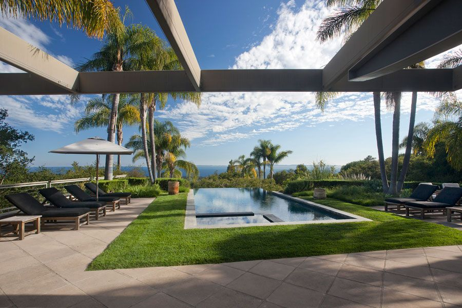 Contemporary-Whitehead-Bay-Residence-02-1