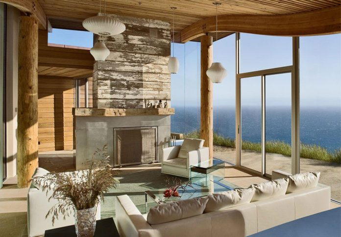 Dani Ridge House by Carver + Schicketanz