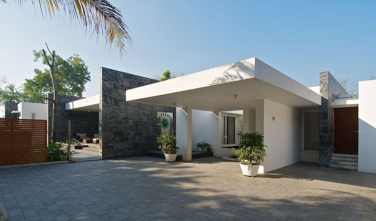 Dinesh-Mills-Bungalow-00