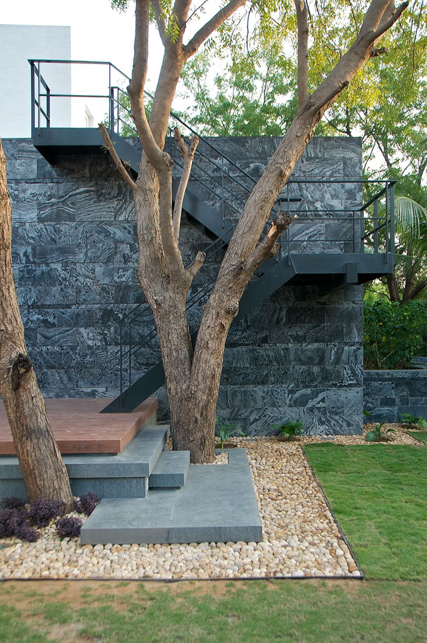Dinesh-Mills-Bungalow-03