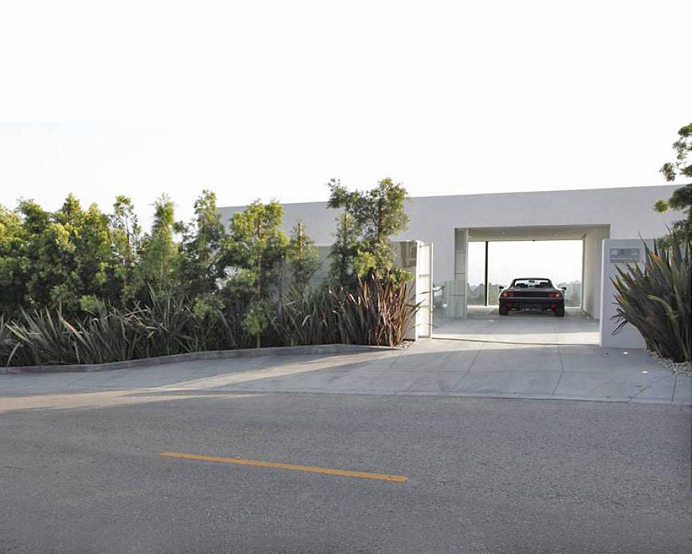 Dream-Garage-for-a-Dream-Car-05