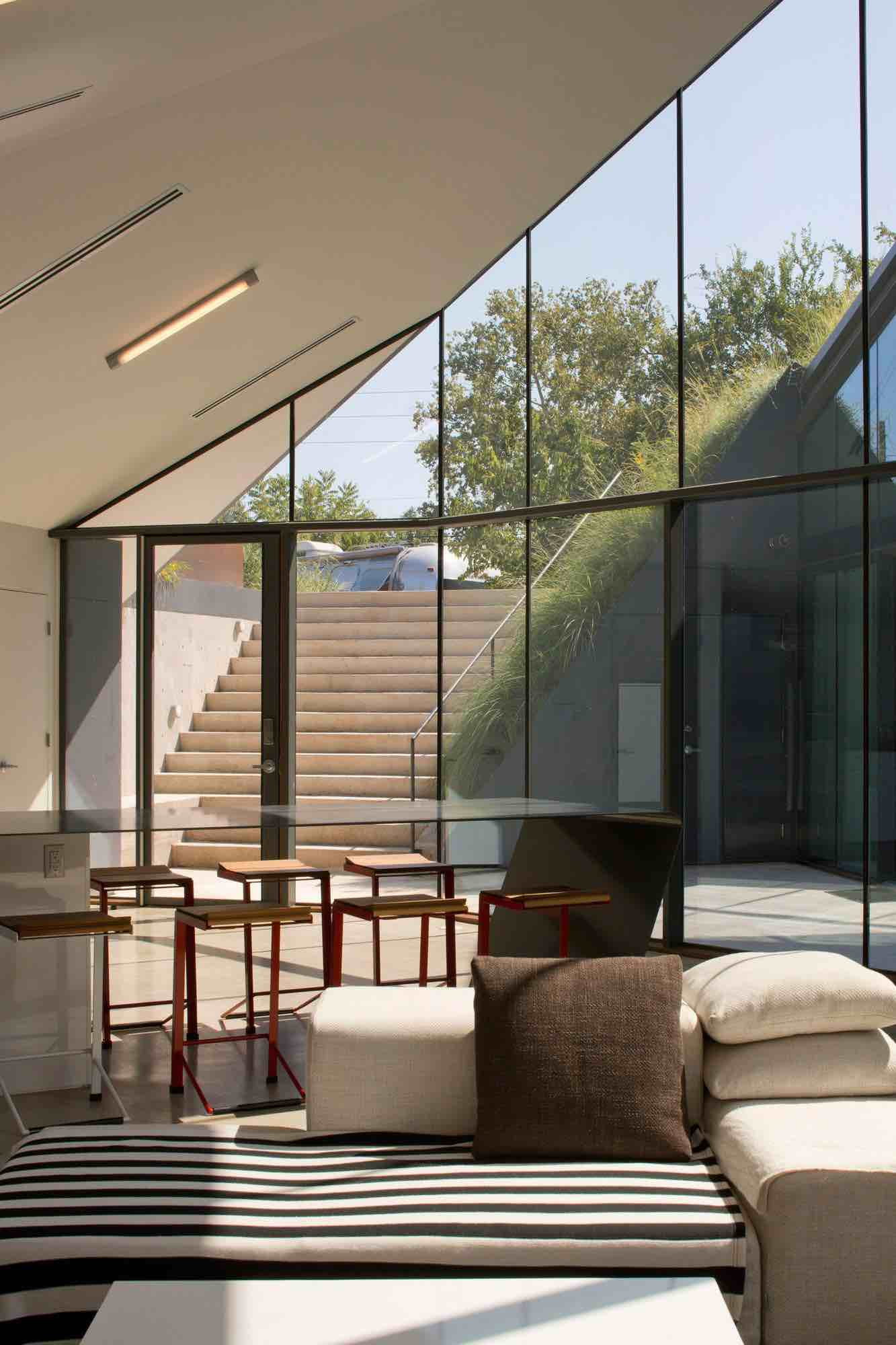 Edgeland-House-12