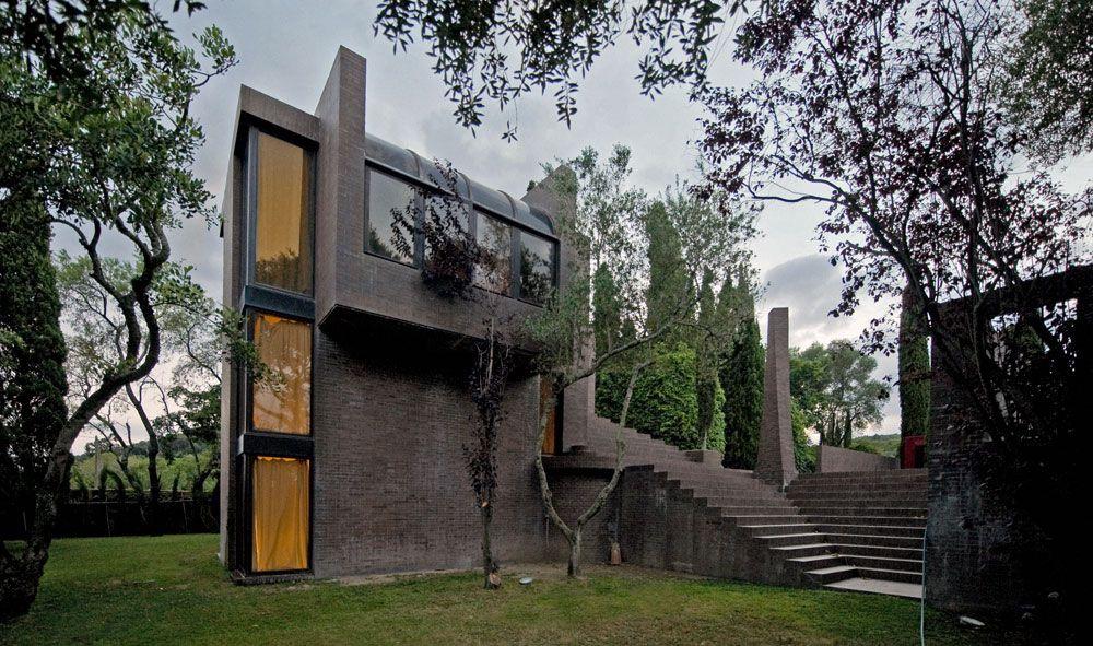 Family House in Costa Brava by Ricardo Bofill