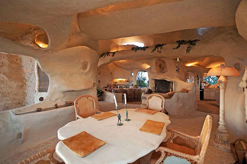 Flintstones-Style-Malibu-Retreat-06