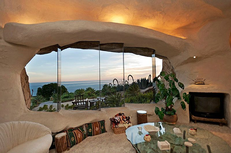 Flintstones-Style-Malibu-Retreat-08-1