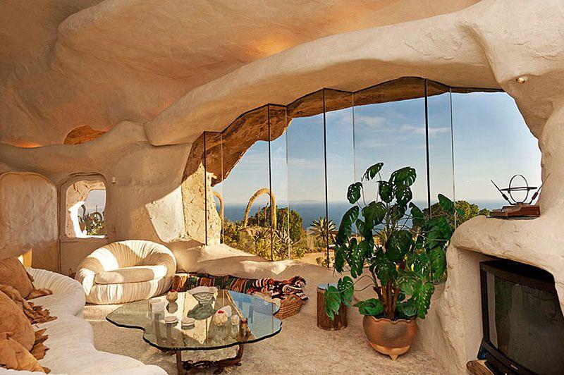 Flintstones-Style-Malibu-Retreat-08