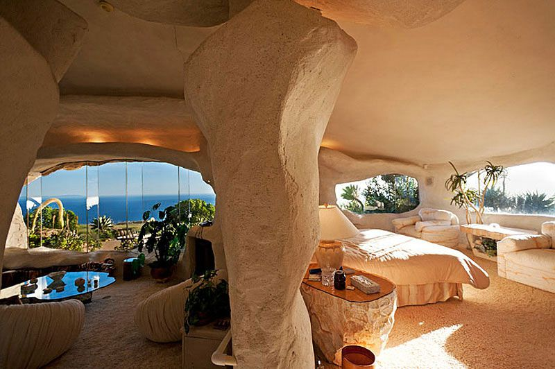 Flintstones-Style-Malibu-Retreat-11