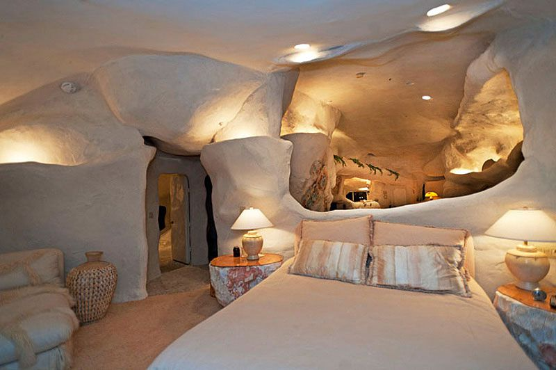 Flintstones-Style-Malibu-Retreat-13