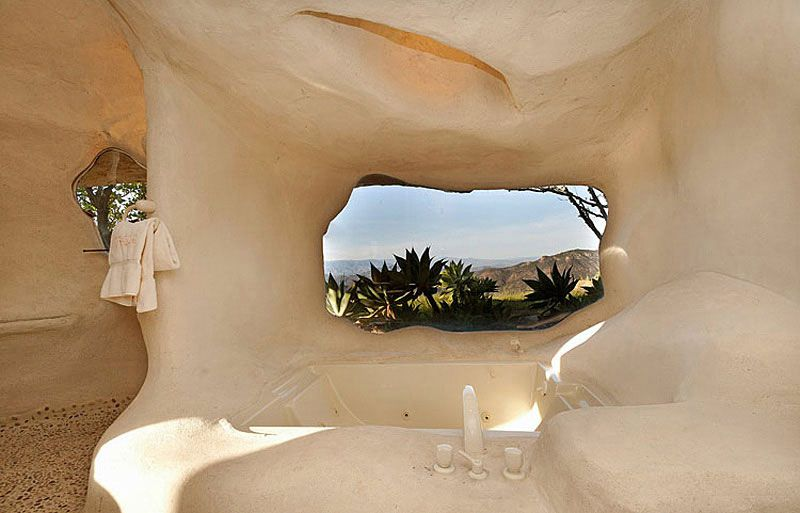 Flintstones-Style-Malibu-Retreat-14-1