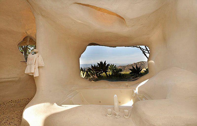 Flintstones-Style-Malibu-Retreat-14-1