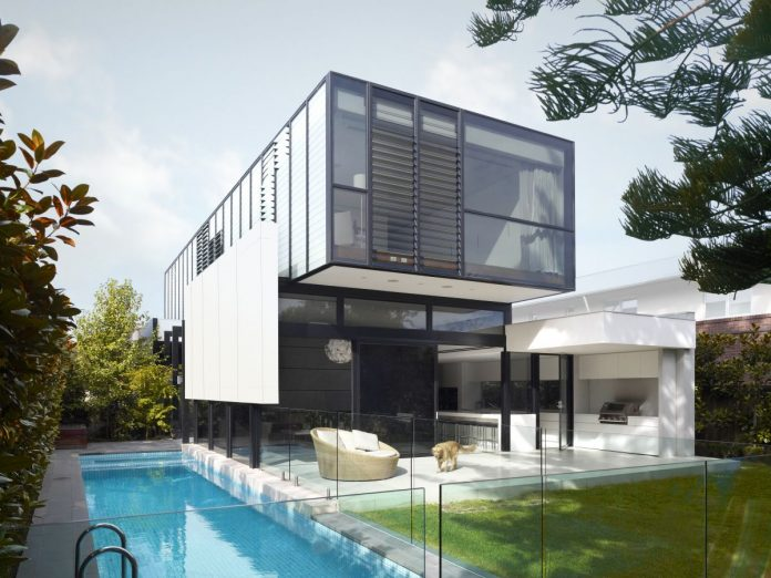 Good Residence in Melbourne by Crone Partners