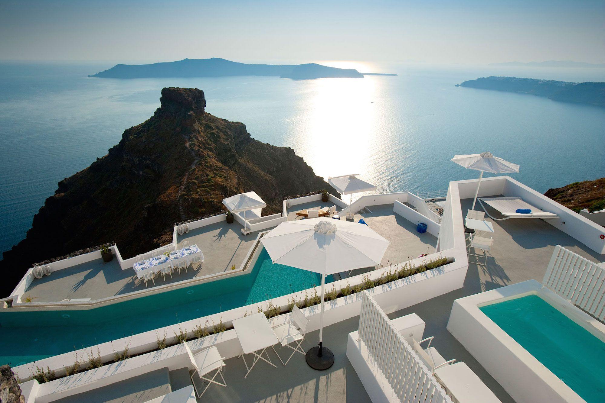 Grace-Santorini-Hotel-00-5