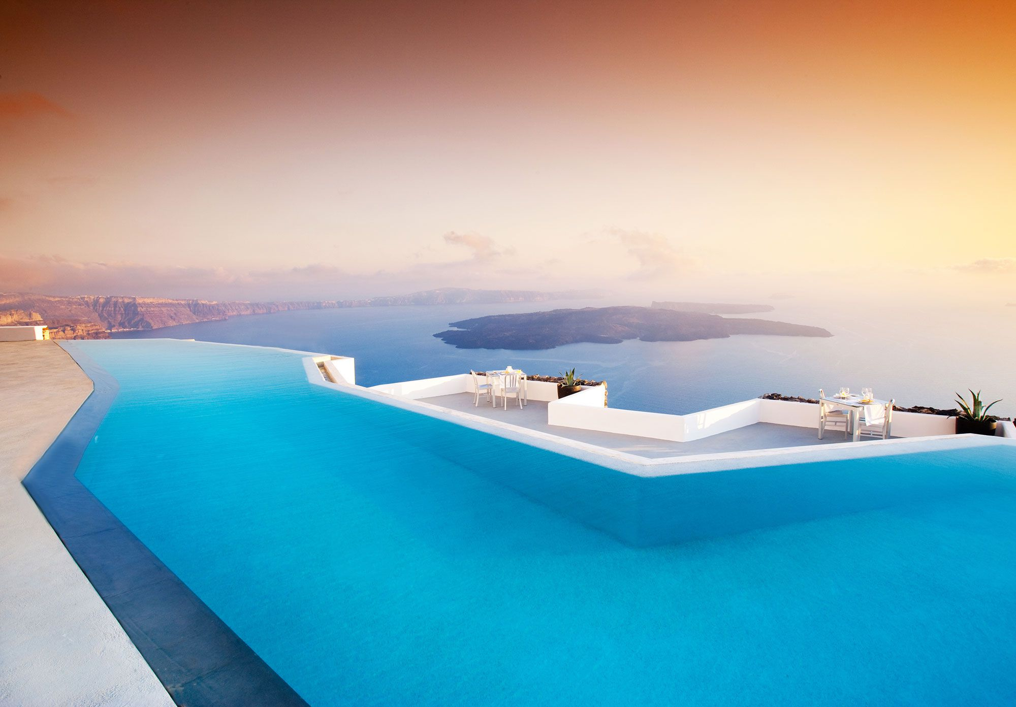 Grace-Santorini-Hotel-03-1