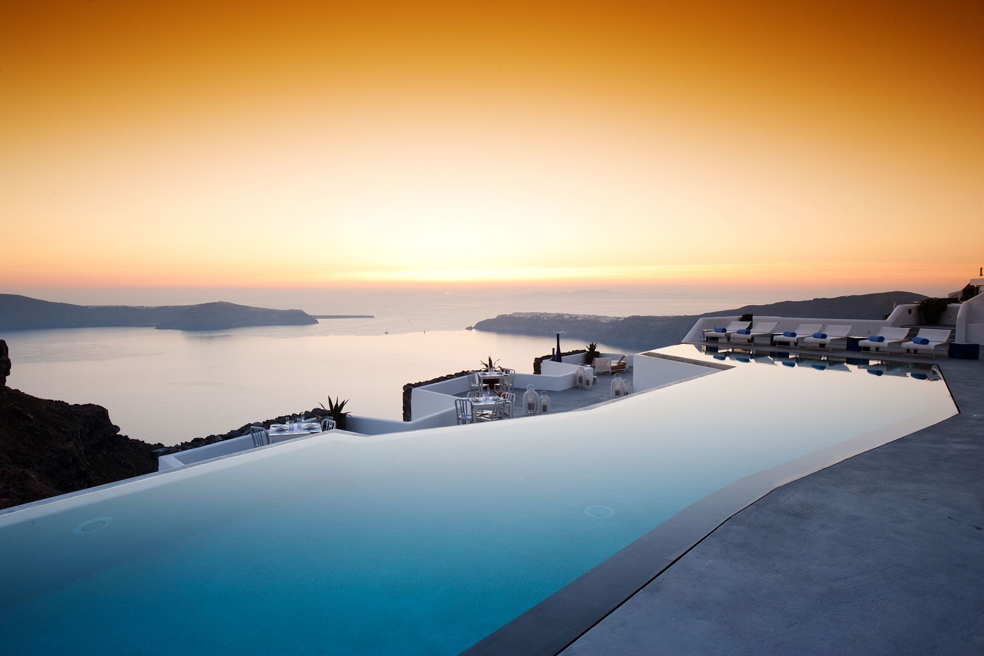 Grace-Santorini-Hotel-03-4