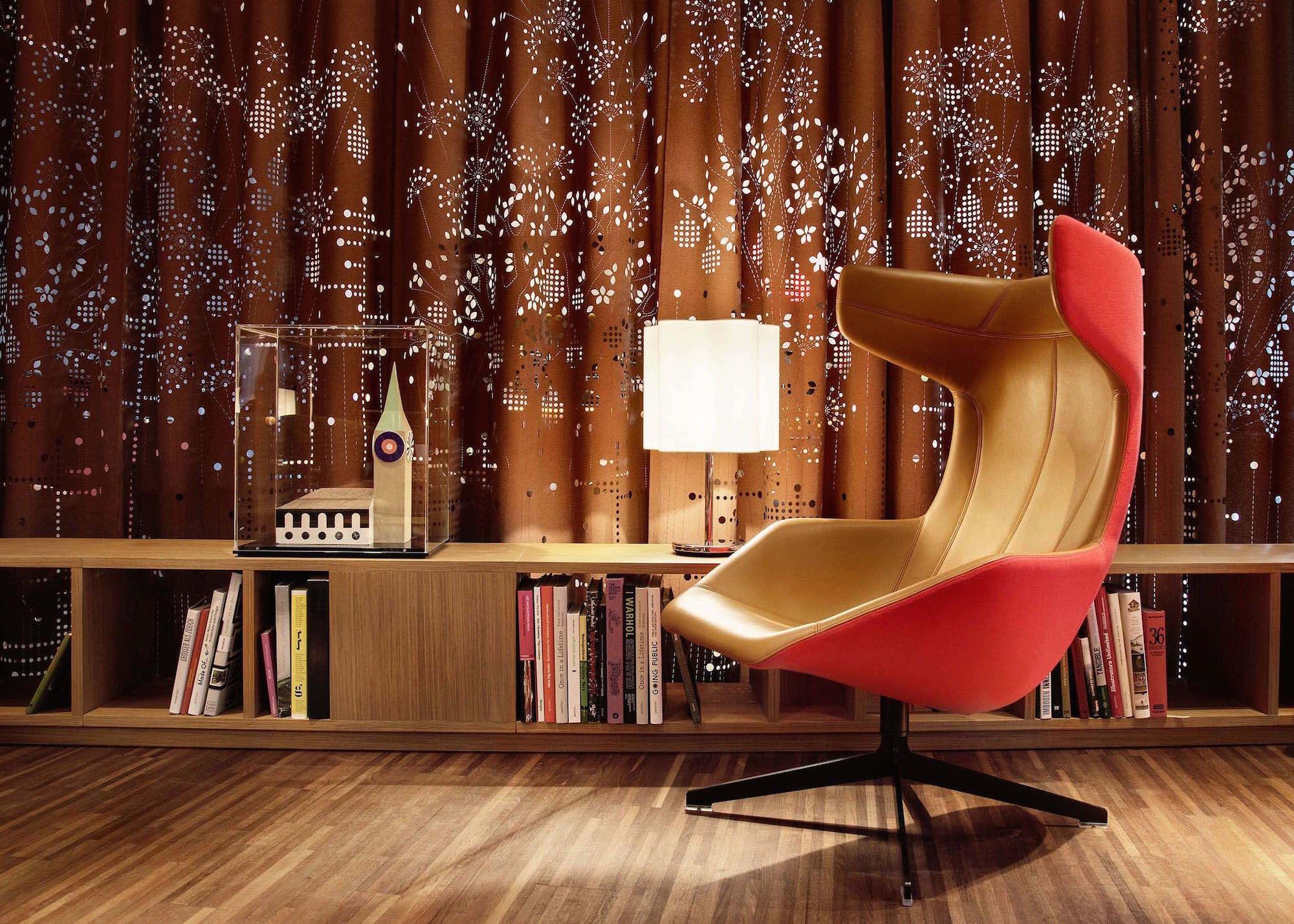 Hotel_25hours_Bookworm_03