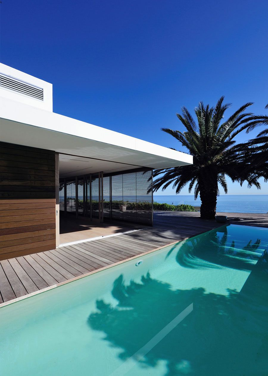 House-in-Camps-Bay-01-1