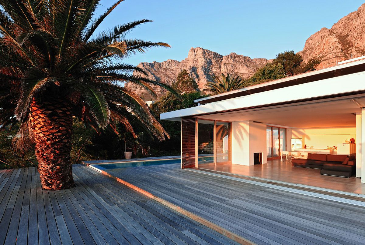 House-in-Camps-Bay-01-8