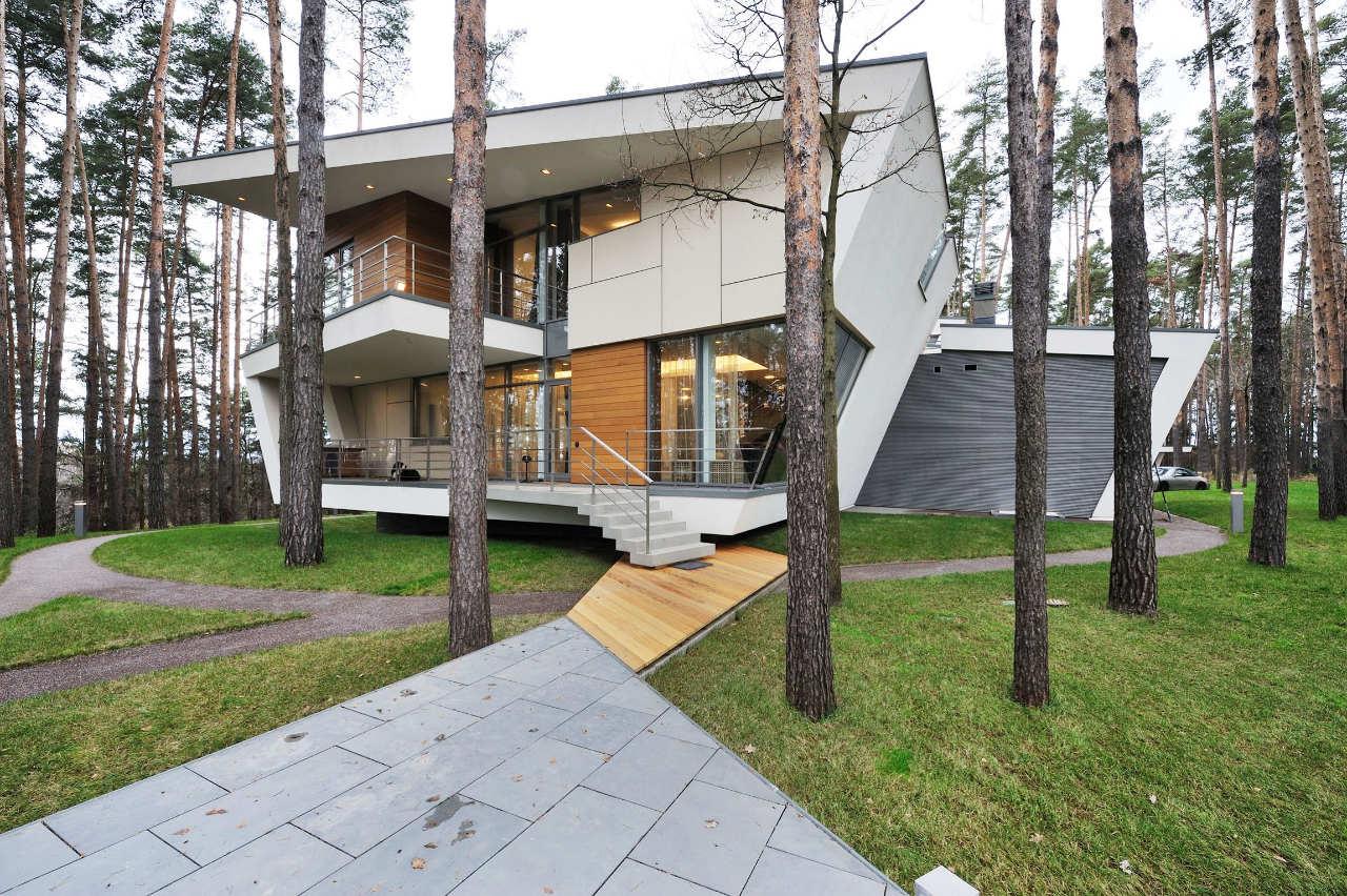 House-in-Gorki-02