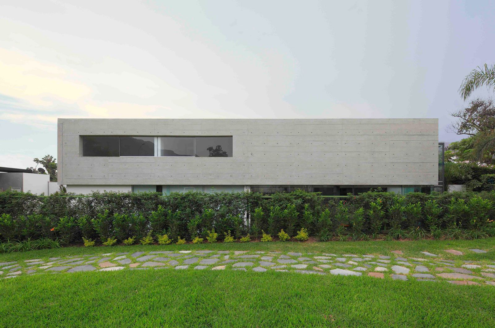 House-in-La-Planicie-01