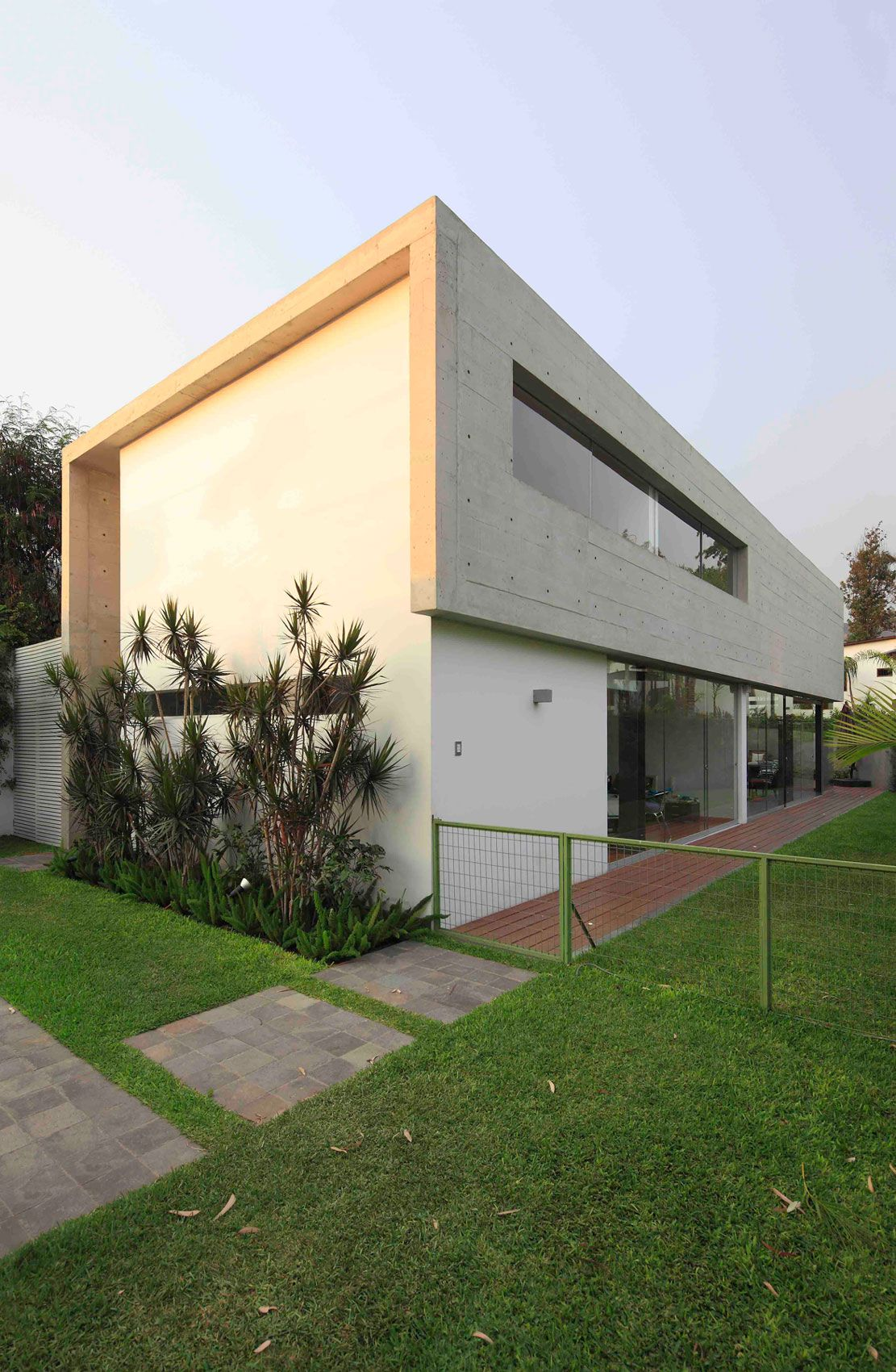 House-in-La-Planicie-02