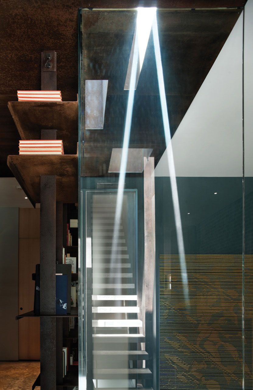 Inverted-Warehouse-Townhouse-02