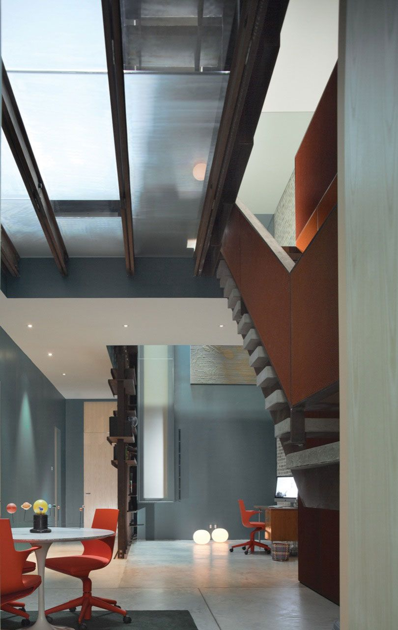 Inverted-Warehouse-Townhouse-04