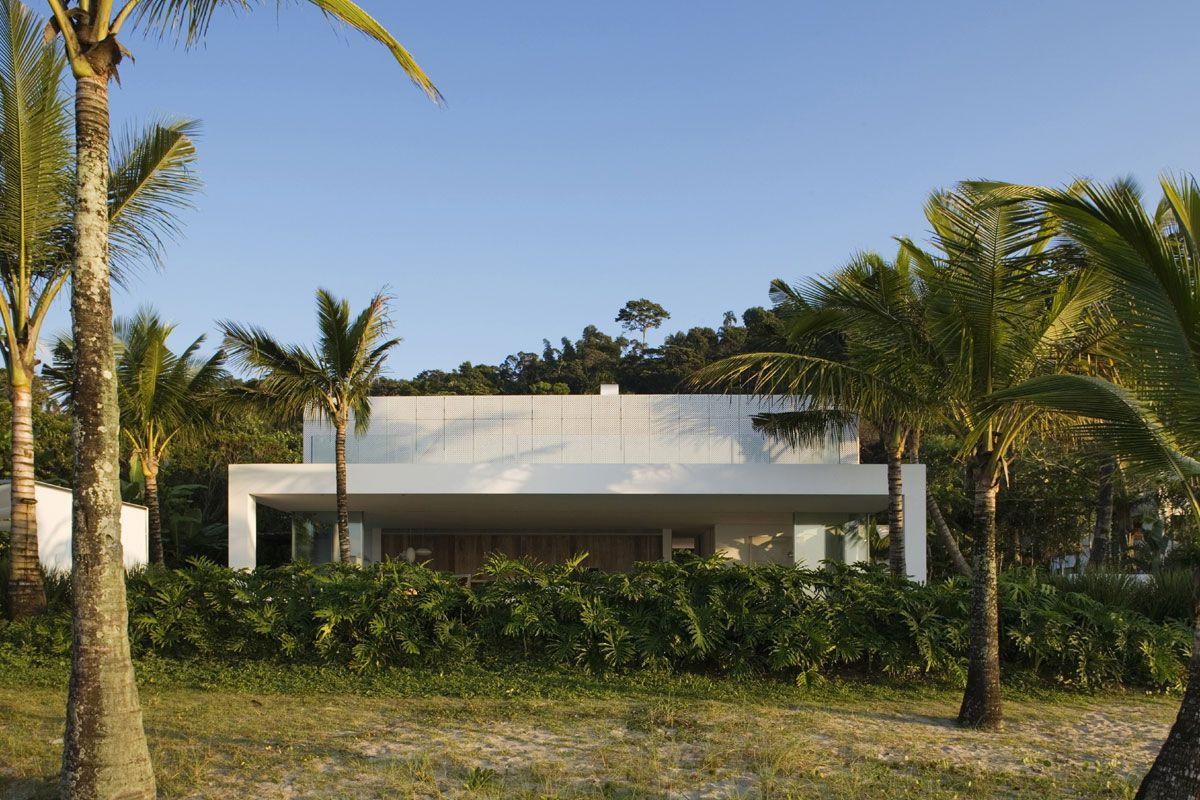 Iporanga-House-00