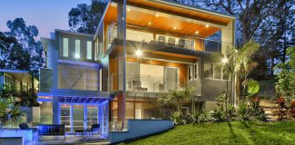 Modern residence on Brisbane River