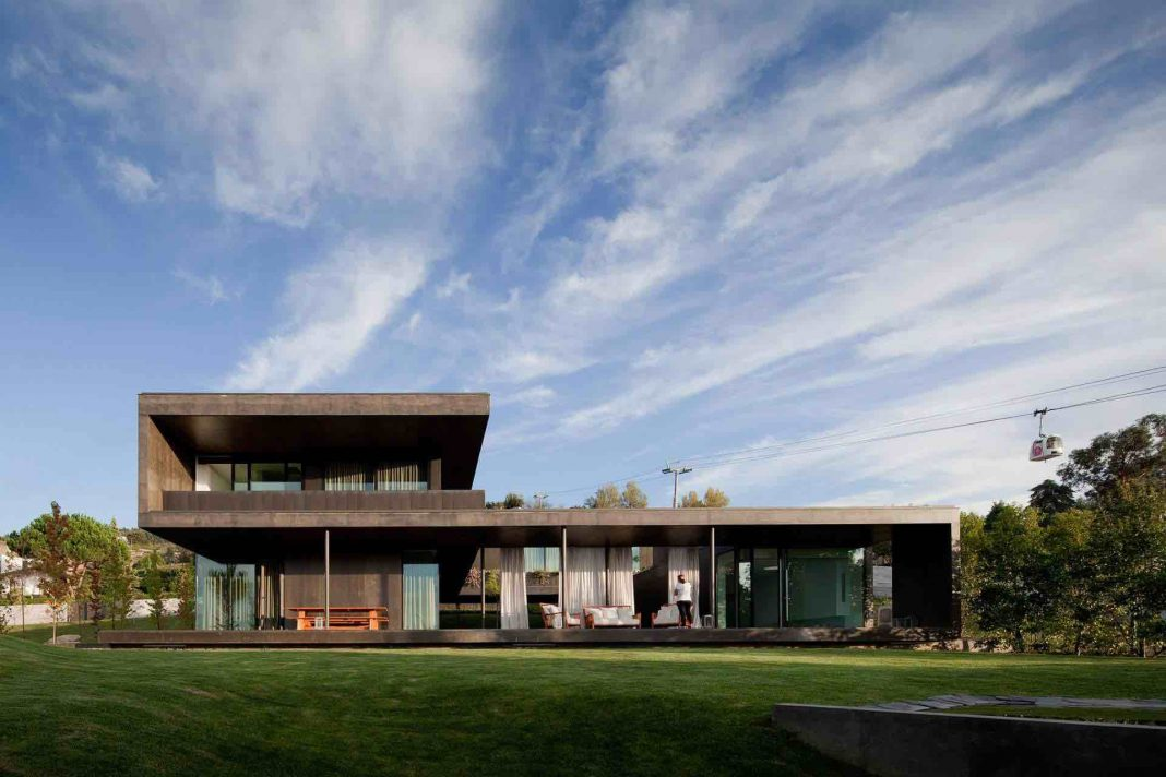 L23 House by Pitágoras Arquitectos