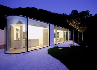 Modern Lake Lugano House by JM Architecture