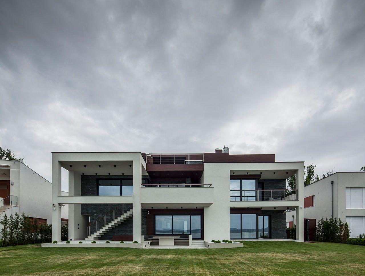 Lakeside-Home-in-Balatonboglar-03
