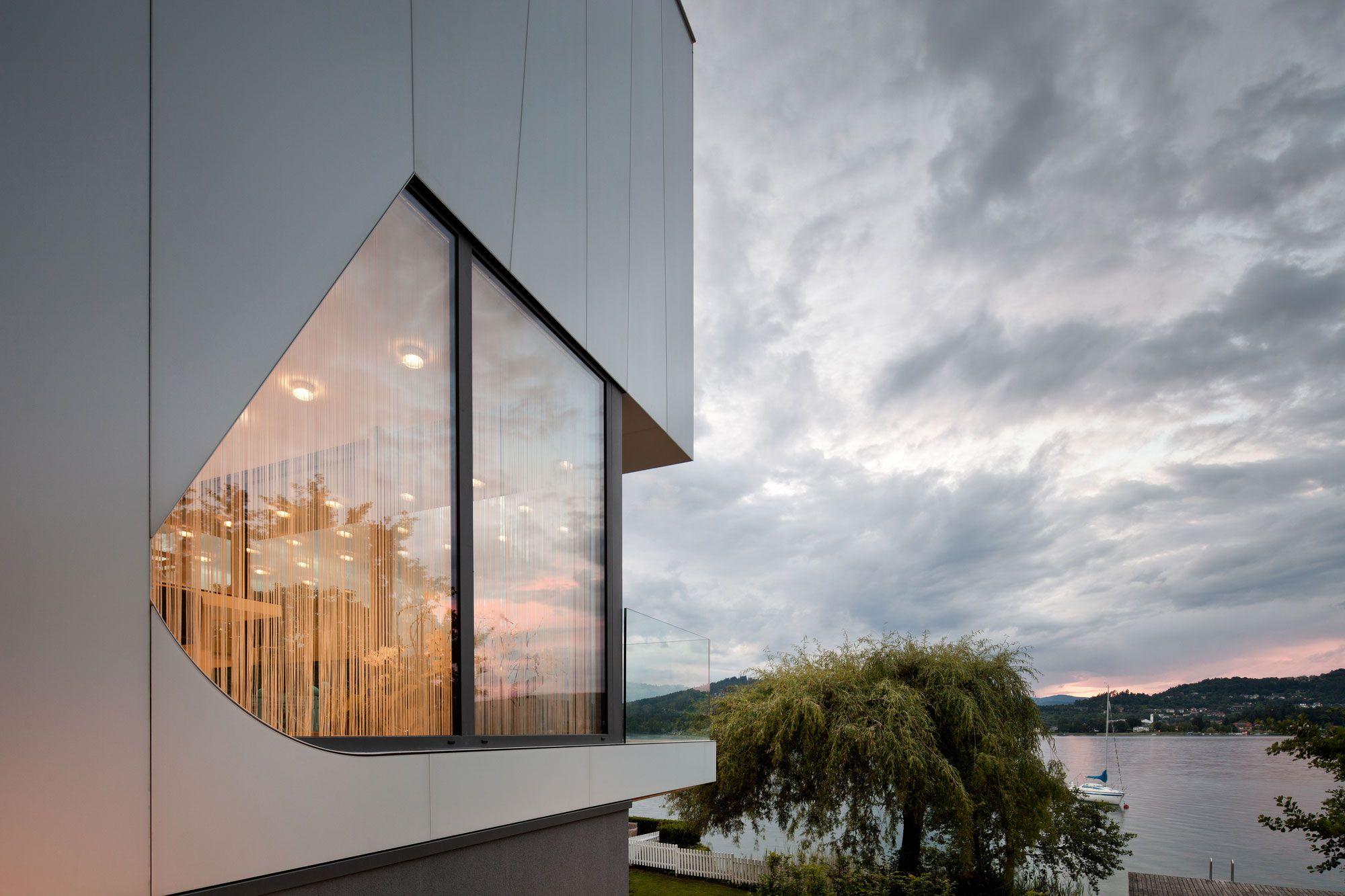 Lakeside-House-10