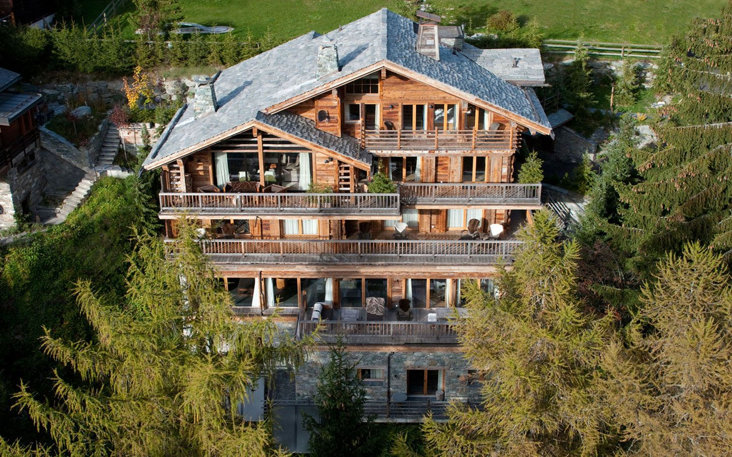 Luxury-Chalet-Dent-Blanche-in-Valais-01