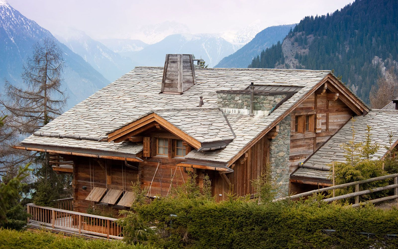 Luxury-Chalet-Dent-Blanche-in-Valais-02