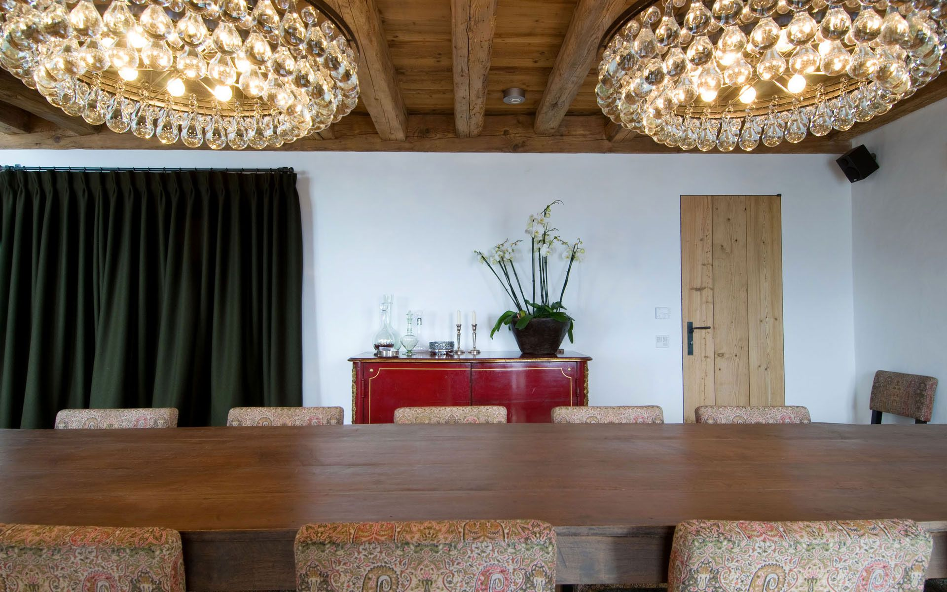 Luxury-Chalet-Dent-Blanche-in-Valais-12